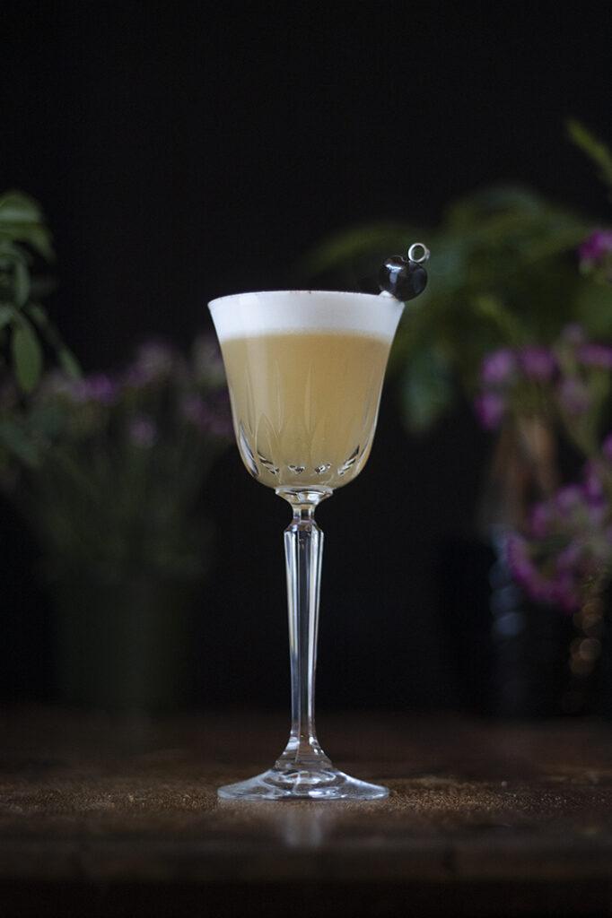 augustum-whiskey-sour-golden-hour-sour
