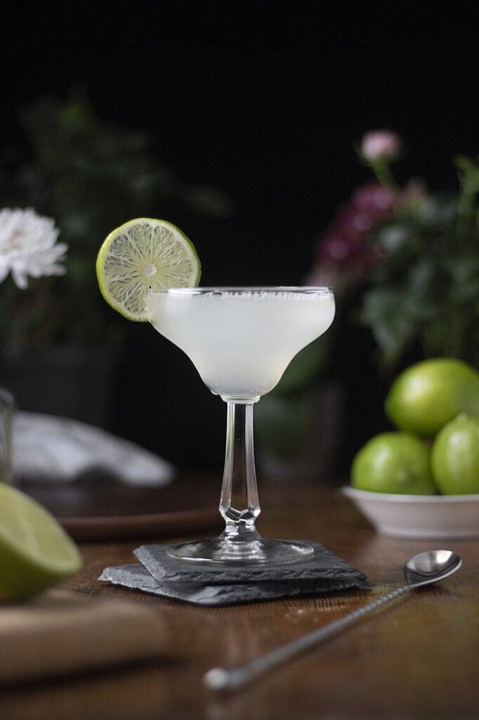 classic-margarita-cocktail-recipe-02