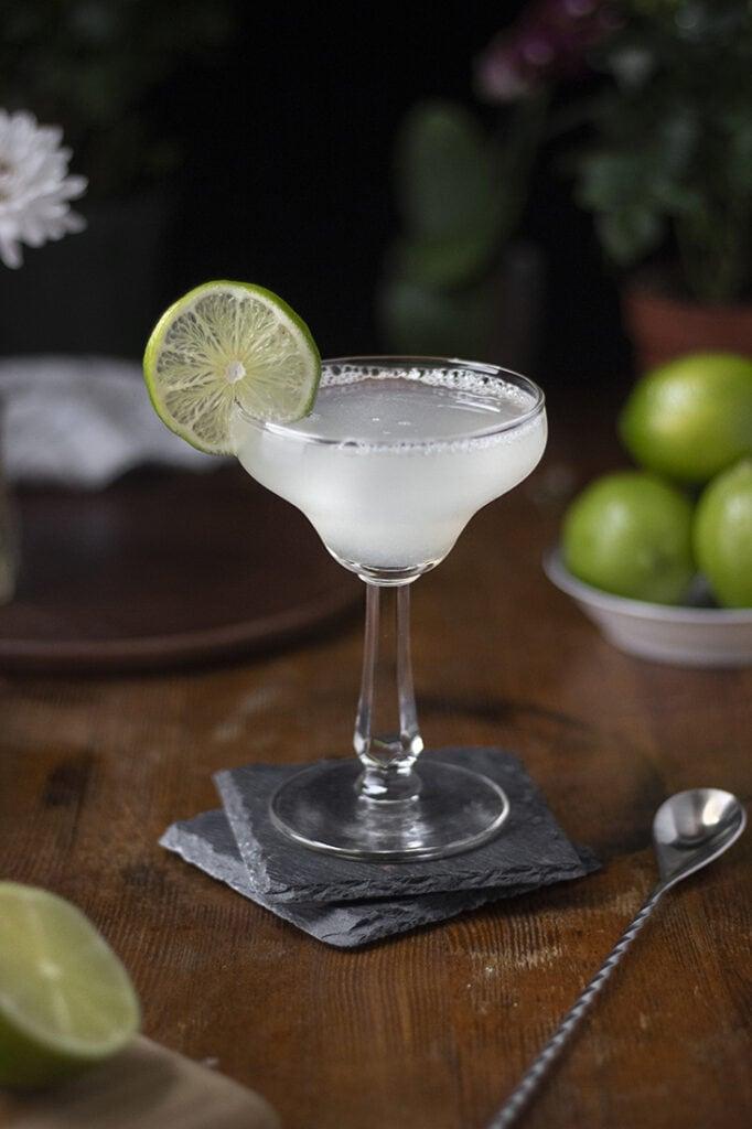 classic-margarita-cocktail-recipe-04