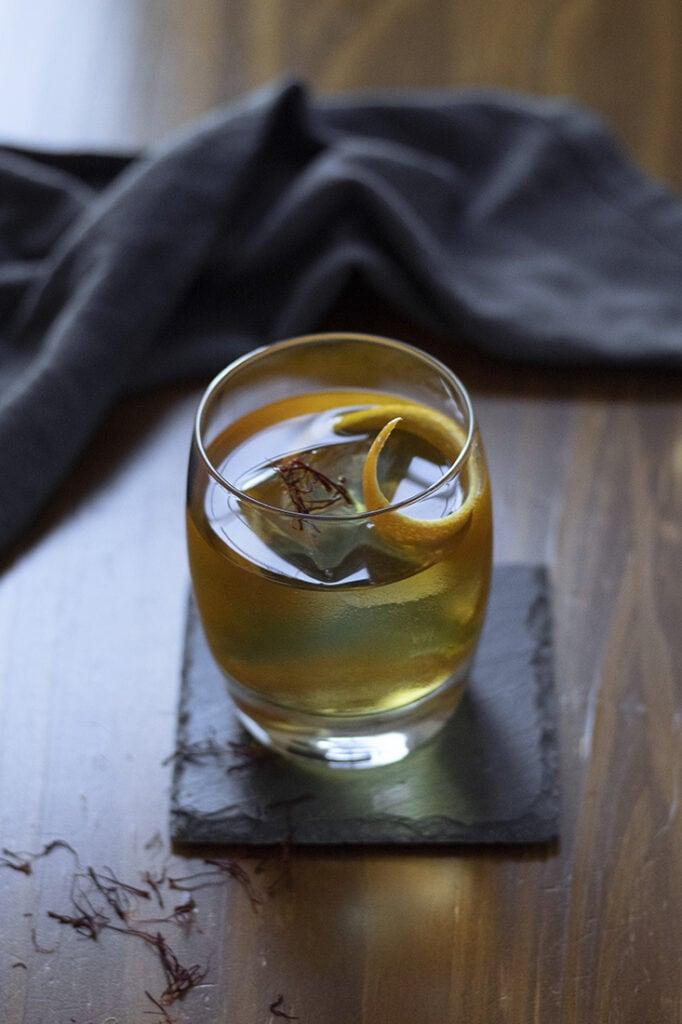 saffron-honey-rum-old-fashioned-02