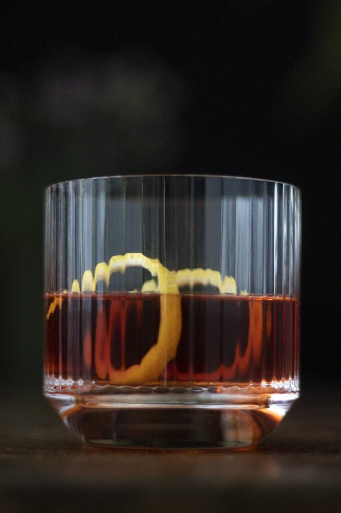 sazerac-cocktail-with-rye-and-cognac-and-a-lemon-twist